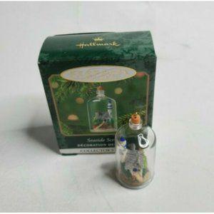 2001 Hallmark Keep Miniature Orn Seaside Scenes